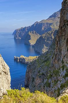 The wildest part of the Majorcan North coast stretching a few miles between Soller and Pollensa. The ¥Morro des Capellans¥ peninsula and the ¥Torre de Lluc¥ can be seen in the center of the image. Mallorca, Balearic islands, Spain