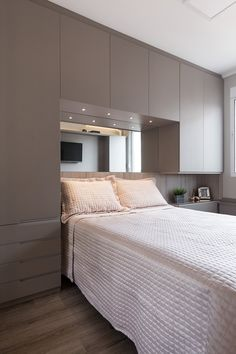 9 bedroom storage ideas for adults small spaces 7 Bedroom Cupboard Designs, Wardrobe Design Bedroom, Bedroom Cupboards, Bedroom Bed Design, Small Bedroom Designs, Home Room Design, Modern Bedroom Design, Home Decor Bedroom, Bedroom Ideas
