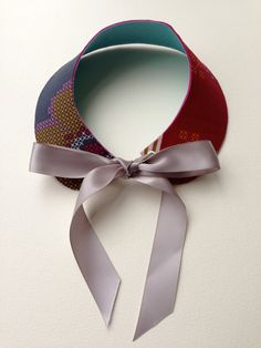 Complete instructions for the Peter Pan Collar by Handmade Charlotte.