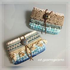 #трикотажнаяпряжа #crochetinspiration #crochetlove #crochet #handmade #handbag #косметичкаручнойработы #вязание #вяжутвсе #вдохновение… Crochet Clutch, Crochet Handbags, Crochet Purses, Crochet Motif, Knit Crochet, Crochet Patterns, Sweet Bags, Crochet Teddy, Macrame Bag