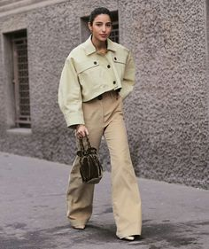 Bettina Looney Bloom Fashion, Spring Fashion Trends, Fashion Ideas, Fashion Tips, Cheap Fashion, Women's Fashion, Ladies Fashion, Fashion Editorials, Runway Fashion
