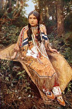 オジブワ(ネイティブ・アメリカン)/ Ojibwa (Native American) Beautiful Pictures, Find Art, Framed Artwork, Giclee Print