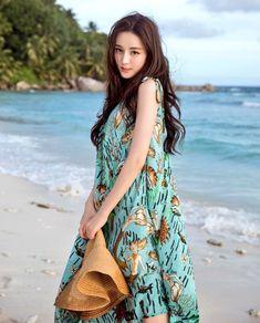 Pop star Dilraba Dilmurat releases new photos Beautiful Chinese Girl, Beautiful Asian Women, Asian Model Girl, Asian Models, Wild Girl, China Girl, Chinese Actress, Ulzzang Girl, Luhan