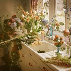 Ideas For Plants Aesthetic Inspiration Nature Aesthetic, Flower Aesthetic, Peach Aesthetic, Aesthetic Pastel, Aesthetic Girl, Cottage In The Woods, Cottage Style, My New Room, Aesthetic Pictures