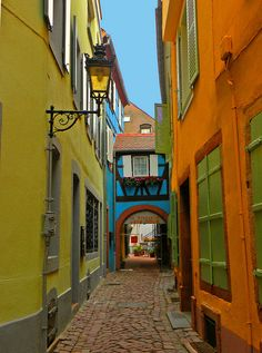 Colorful street in Colmar, Alsace, France (by Jedidi).