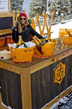 "The Little Nell, a ski-in/ski-out five-star/five diamond hotel at the base of Aspen Mountain, has launched ""The Oasis"" on Aspen Mountain with a Veuve Clicquot branded POP-Up Champagne Bar this winter season. As part of Veuve Clicquot's annual celebration Schnee Party, Apres Ski Party, Ski Bar, Veuve Cliquot, Ski Wedding, Wedding Decor, Aspen Mountain, Mountain Biking, Champagne Bar"