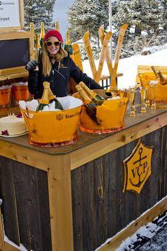 24 Cozy-Chic Ideas to Create the Après Ski Wedding of Your Dreams via Brit + Co