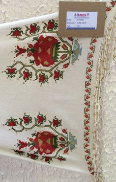 This Pin was discovered by TC Hand Work Embroidery, Types Of Embroidery, Embroidery Patterns Free, Old Hands, Bargello, Country Chic, Handicraft, Needlework, Diy And Crafts