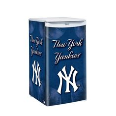 MLB New York Yankees Counter Top Refrigerator « Blast Gifts