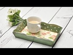 22 pretty serving trays - Serving tray made by yourself will make you much satisfied. For little money you can make an inexpensive and elegant trays of various materials that we usually have at home. Decoupage Tutorial, Decoupage Box, Doll Tutorial, Tole Painting, Painting Tips, Painting On Wood, Mod Podge On Wood, Wallpaper Crafts, Altered Boxes