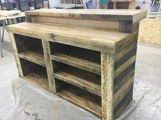 Bar de madera de palet