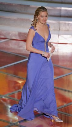Kate Winslet in Badgley Mischka (Oscars 2005)