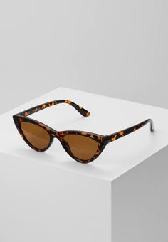 Even&Odd Solbriller - brown - Zalando.no Eye Pattern, Even And Odd, Fashion Updates, Summer Looks, Things To Come, Fancy, Mens Fashion, Sunglasses, Parfait
