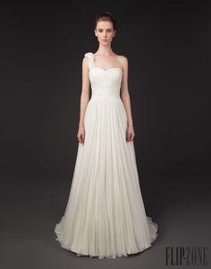 Winnie Couture Blush label, 2014 collection - Bridal - http://www.flip-zone.net/fashion/bridal/the-bride/winnie-couture-4743