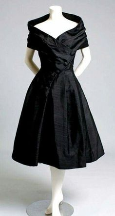 This gorgeous 1950s dress is a Dior!
