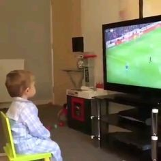 Cute Funny Baby Videos, Cute Funny Babies, Funny Baby Memes, Funny Videos For Kids, Funny Short Videos, Funny Cute, Cute Kids, Hilarious, Dog Friendly Hotels