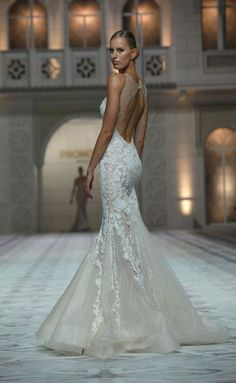 Pronovias 2014-2015. Dream dress for my beach wedding