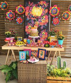 "355 Likes, 11 Comments - Andrea Gianessi (@andreagianessidecor) on Instagram: ""O México de Frida Kahlo nesta colorida produção #ana18 #frida #partydecor #andreagianessidecor…"""