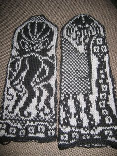 Ravelry: Cthulhu Mittens pattern by Lyle Stafford Mittens Pattern, Cthulhu, Ravelry, Chart, Knitting, Tricot, Cast On Knitting, Stricken, Weaving
