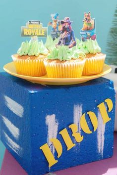Take a look at the awesome mix of cupcakes with Fortnite toppers at this Fortnite birthday party. See more party ideas and share yours at CatchMyParty.com #catchmyparty #partyideas #4favoritepartiesoftheweek #fortnite #fortniteparty #fortnitecupcakes Vanilla Cupcakes, Chocolate Cupcakes, Girl Birthday, Birthday Parties, Cupcake Images, Cupcake Bakery, Cupcake Flavors, Beautiful Cupcakes, Sleepover