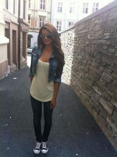 Casual look. Want that jean jacket!