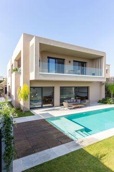Best Modern House Design, Modern Exterior House Designs, Duplex House Design, House Front Design, Dream House Exterior, Dream Home Design, Modern House Facades, Modern Architecture House, Model House Plan
