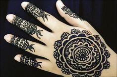 Circle Mehndi Designs, Peacock Mehndi Designs, Mehndi Designs For Kids, Simple Arabic Mehndi Designs, Circle Design, Hand Designs, Mehndi Style, Circular Pattern, Different Patterns