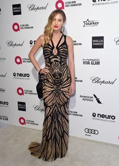 Model and Actress Dylan Penn was a vision in Forevermark Diamond Pyramid Earrings, Forevermark by Natalie K Rose Gold Diamond Rings, and Forevermark by Jade Trau The Center of My Universe™ Diamond Band at the Oscars after parties. Elegant Dresses, Formal Dresses, Elton John Aids Foundation, Viva Glam, Red Carpet Ready, Celebs, Celebrities, Red Carpet Fashion, Evening Gowns