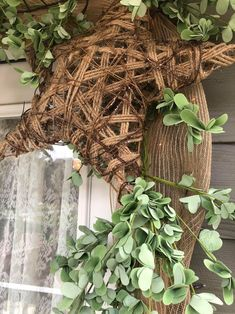 Ways To Decorate Your Front Door - The Shabby Tree Ways To Decorate Your Front Door - The Shabby Tree Porch Garland, Greenery Garland, Christmas Mantels, Christmas Mom, Victorian Christmas, White Christmas, Christmas Trees, Vintage Christmas, Christmas Ornaments