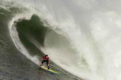 Big Wave Surfers Take On Monster Waves At 2014 Mavericks Contest