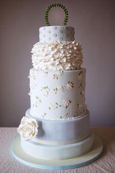 Romantic Wedding Cakes, Wedding Cake Ideas, Inspiration, Wedding Cake Designs || Colin Cowie Weddings