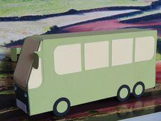 Erweiterung des Fuhrparks: jetzt gibt es auch den Reisebus - mit viel Platz für diverse Geschenke