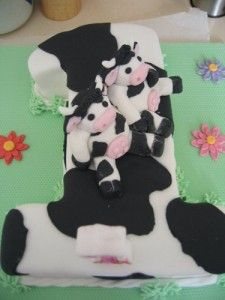 . Cow Cakes, Minnie Mouse, Disney Characters