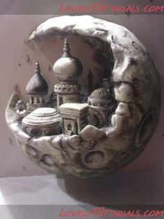 Arabian Crescent cake tutorial~>someday, when I feel brave enough...I might try this awesome cake...