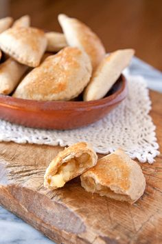 Looking to create a truly sweet and satisfying recipe for Mother's Day this weekend? These bite-sized Pineapple Empanadas will take your after dinner desserts to a whole new level! With just a few simple ingredients and a little time in the kitchen, this aunentic recipe will come together in no time at all.