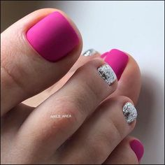 Semi-permanent varnish, false nails, patches: which manicure to choose? - My Nails Pretty Toe Nails, Cute Toe Nails, My Nails, Hair And Nails, Pedicure Designs, Pedicure Nail Art, Toe Nail Designs, Pedicure Ideas, Toe Nail Color