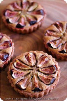 fig frangipane tart--have you ever seen a lovlier dessert? Fig Recipes, Tart Recipes, Baking Recipes, Dessert Recipes, Dessert Food, Sweet Pie, Sweet Tarts, Tarte Tartin, Just Desserts
