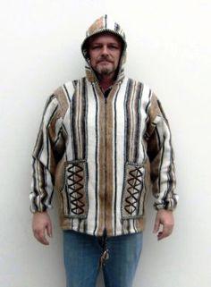Folklore #Kapuzenjacke für Herren, original aus Peru. 2 Große Außentaschen. Die Jacke ist aus peruanischem Mantastoff gefertigt.