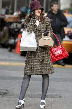 Blair Waldorf and Serena Van Der Woodsen style Gossip Girl Blair, Gossip Girls, Moda Gossip Girl, Estilo Gossip Girl, Blair Waldorf Gossip Girl, Gossip Girl Outfits, Gossip Girl Fashion, Look Fashion, Gossip Girl Style