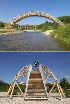 El increíble puente construido a partir de papel Bamboo Architecture, Architecture Design, Spirals In Nature, Bamboo Structure, Shigeru Ban, Bamboo Design, Bridge Design, Pedestrian Bridge, Civil Engineering
