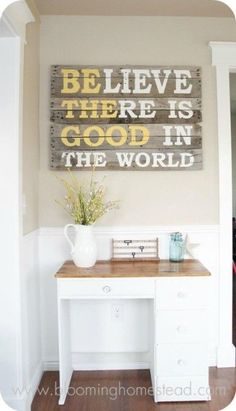 Wood Pallet Projects Inspirational Quote Wood Pallet Art - DIY pallet signs add a touch of unique personality to your home. Check out the best ideas and designs and create your favorite projects! Wood Pallet Signs, Wood Pallets, Pallet Wall Art, Reclaimed Wood Signs, Reclaimed Wood Projects, 1001 Pallets, Painted Wood Signs, Pallets Garden, Diy Wanddekorationen