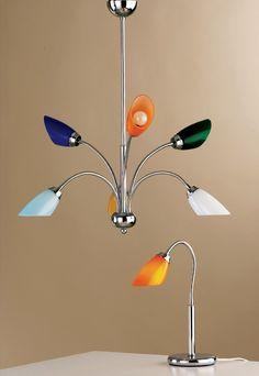 Lustre et lampe de table. Fabrication artisanale spécialement développée pour les hôtels. www.luxurychandeliers.ch