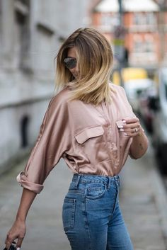 Black Silk Satin Dress Combination With Denim Jacket Rose Gold Satin Shirt Light Wash Jeans My Style In 2018 - Formal Gowns Evening Dresses Fashion Night, 90s Fashion, Fashion Outfits, Winter Outfits, Casual Outfits, Cute Outfits, Gold Blouse, Rose Gold Shirt, Outfits Mujer