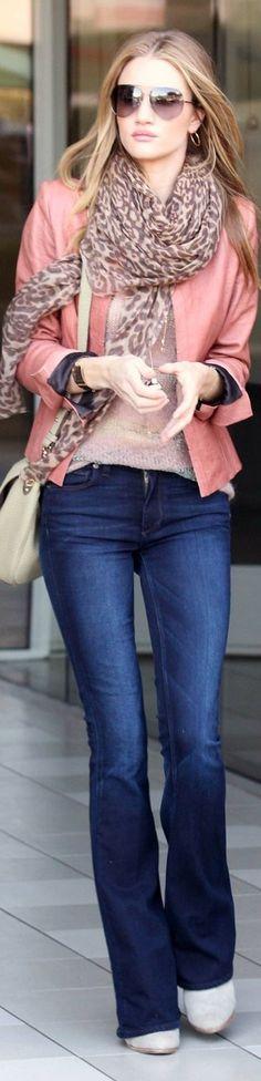 Rosie Huntington Whiteley Perfect autumn winter outfit Love the jacket. Stylish Winter Outfits, Fall Outfits, Casual Outfits, Cute Outfits, Outfit Winter, Summer Outfit, Casual Wear, Rosie Huntington Whiteley, Bandeau Bikini