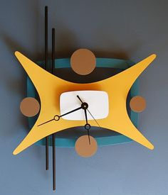 I just saw a post on Welcome To Deluxeville and wanted to share more of Steve Cambronne's amazing clocks. I want one and I want it bad. Unique Clocks, Cool Clocks, Clock Art, Diy Clock, Retro Clock, Retro Art, Mid Century Modern Decor, Mid Century Design, Modern Clock