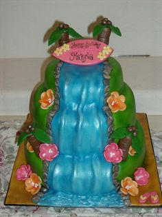 Hawiian Party by Sugar Dreams Cakes and Things, via Flickr