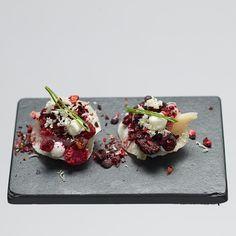 Lecker und außergewöhnlich schön ist das Dessert im reinstoff Sterne-Restaurant Mitte   creme berlin