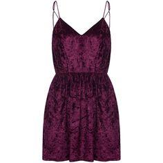 Burgundy V-neck Spaghetti Strap Backless Velvet Skater Dress (680 UYU) ❤ liked on Polyvore featuring dresses, v-neck dresses, v neck spaghetti strap dress, burgundy dress, skater dresses and velvet dress