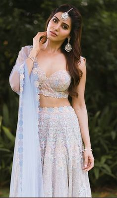 Samantha Ruth Prabhu is a seductive Tollywood actress. Mostly, she performed in South Indian cinema. Samantha Ruth gave the performance in superhit films. Samantha Photos, Samantha Ruth, Indian Dresses, Indian Outfits, Lehenga Color Combinations, Samantha Wedding, Samantha Marriage, Babe, Indian Bridal Lehenga