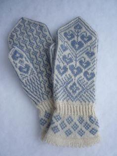 Knitted Gloves, Knitting Socks, Fingerless Gloves, Knitting Charts, Knitting Patterns, Arm Warmers, Crochet, Needlework, Tricot